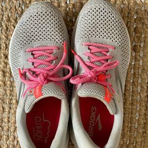 Women's Brooks sneakers size 8.5